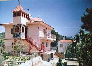 Casa en San francisco, 13. Casa de dos plantas, buhardilla, jardín y piscina