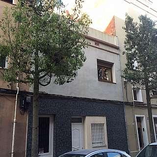 Casa en Carrer mare de deu de nuria, 30. Casa unifamiliar en pleno casco urbano
