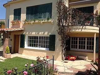 Casa en Carrer bellaterra, 4. Casa en perfecto estado vistas mar y montaña