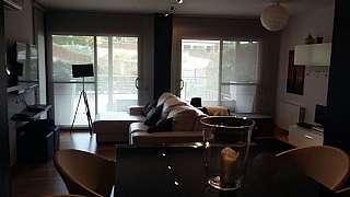 Alquiler Casa adosada en Masia bach, sn. Casa esquinera
