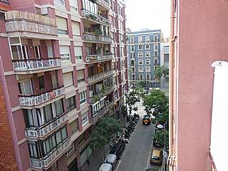 Piso en Joaquim ruyra, s/n. Piso con muchas posibilidades en barcelona ciudad