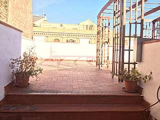 Alquiler �tico en Carrer muntaner, s/n. Magn�fico �tico con terraza