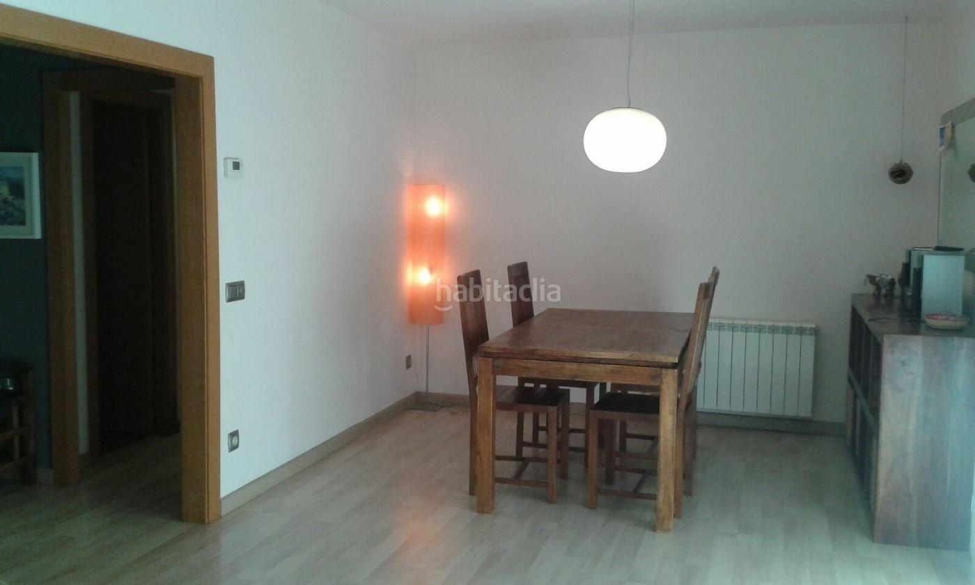 piso por de 110 metros habitatge sagrada familia 3 piso grande y muy luminoso en zona. Black Bedroom Furniture Sets. Home Design Ideas