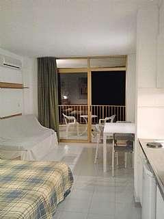 Alquiler Apartamento en Carrer vendrell (de), 12. Precioso apartamento  con suministros incluidos