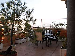 Alquiler �tico en Carrer de sants, 235. �tic en molt bon estat amb terrassa de 35 m2