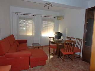 Alquiler Piso en Molina de segura, 2. Piso en zona tranquila, amplia y con servicios.