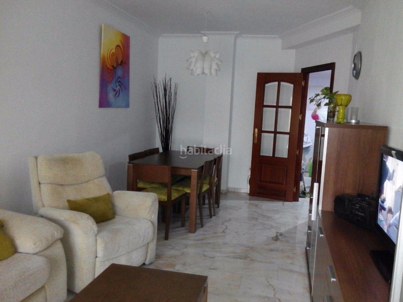 Alquiler piso por 700 en calle academico gracia boix 2 for Alquiler piso cordoba centro