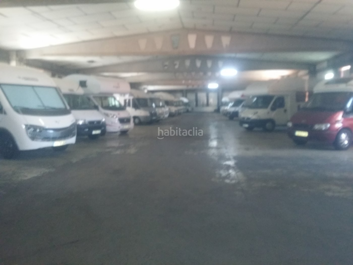 Parking coche por 10 de 40 metros garrotxa s n parking for Parking de coches