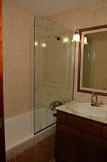 Foto bany principal. Alquiler piso en Carrer Roger De Lluria al costat de passeig de gr�cia en Barcelona