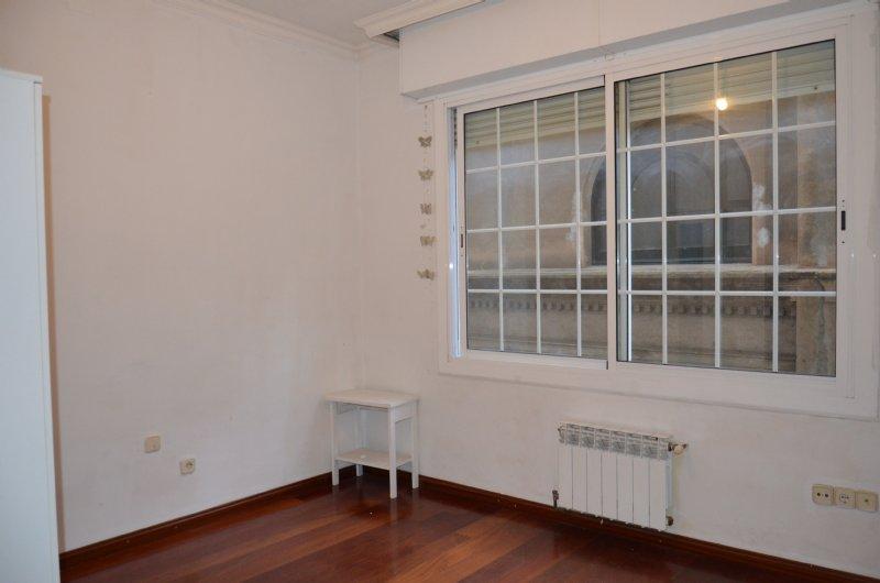 Foto habitaci� doble. Alquiler piso en Carrer Roger De Lluria al costat de passeig de gr�cia en Barcelona