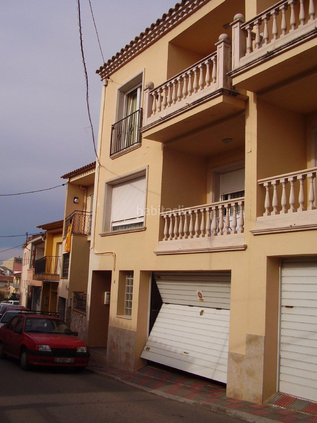 Casa adosada por de 245 metros mn cinto for Pisos alquiler llagostera