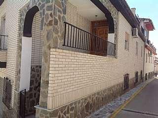 Casa en Calle molinos de bracana, 2. Excelente casa pueblo con garaje, perfecto estado
