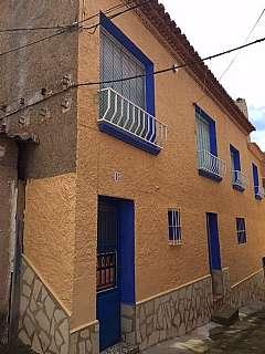 Alquiler Piso en Calle la mina, s/n. Se vende o alquila casa en daroca
