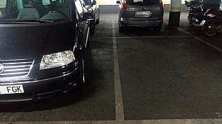 Parking coche en Carrer jose agustin goytisolo, s/n. Parking grande zona eixample