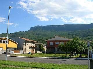 Terreno residencial en Carrer rocacorba, 17. Zona tranquila, muy soleada y parcela nivelada