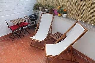 Alquiler Ático en Carrer ricart, 27. Piso luminoso terraza privada 12m