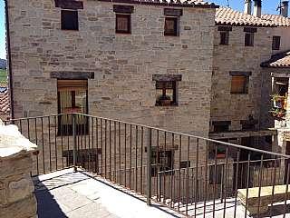 Casa adosada en Carrer major (guialmons), 1. Casa rústica en guialmons