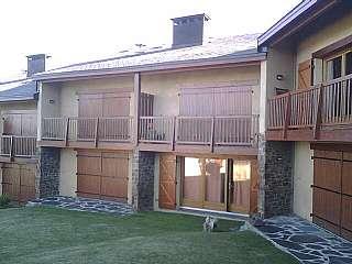 Alquiler Apartamento en Feixa bonica,. Apartamento en planta baja con acceso al jard�n