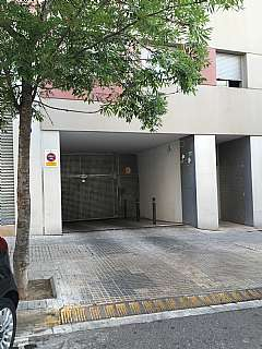 Parking coche en Carrer montsia, 5. Plaza parking num 1