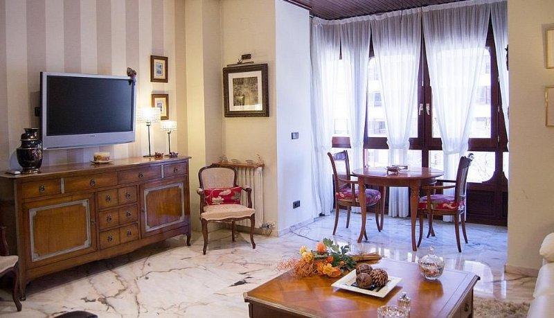 Alquiler piso por 700 en paseo de sagasta vivienda de for Alquiler piso zaragoza centro