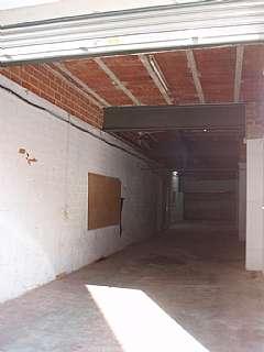 Alquiler Local Comercial en Carrer rossello, 12. Ideal almacen, lavabo, oficina y puerta autom�tica