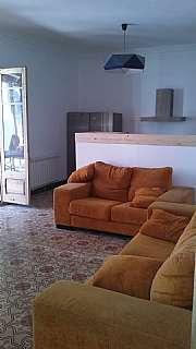 Alquiler Piso en Carrer joan baget, 19. Gran pis d´estudiants moblat  amb terrassa.