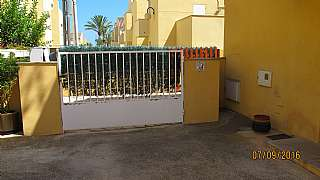 Casa adossada a De blasco ibañez, 780. Adosado sin vecinos con 100 metros de jardín