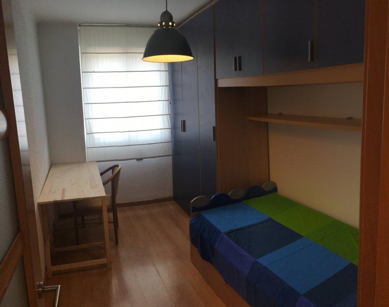 Alquiler piso por 625 en ventura i gassol 4 habitaciones for Pisos de alquiler en cambrils