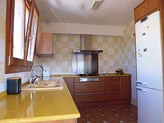 Alquiler Piso en Carrer guadalajara, 27. Bonito piso en casa unifamiliar y zona ajardinada