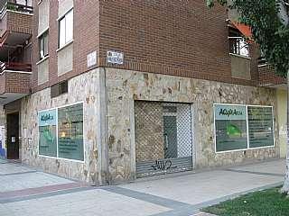 Alquiler Local Comercial en Calle vicente aleixandre, 2. Local comercial cerca de centro comercial grancasa