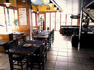 Restaurant a Passeig marítim - llevant, sn. Restaurante unico en zona turística.