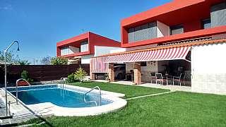 Casa en Avenida arroyo de la quinta, 18. Vivienda  del 2008  con mejoras y en una planta