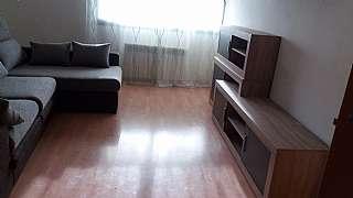 Alquiler Piso en Avinguda valmanya, 102. 3 habitaciones dobles, exterior buena propiedad