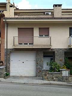 Casa adosada en Av. paisos catalans, 28. En zona residencial