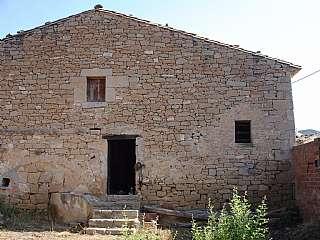 Casa a La font, 18. Antiguo molino para reformar.