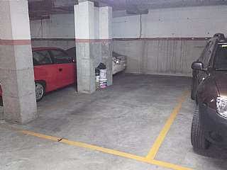 Parking coche en Carrer xaloc, 4. Plaza grande de parking