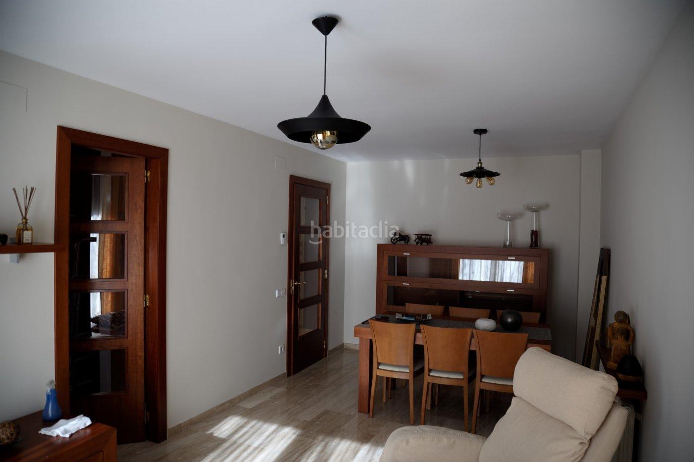 Alquiler piso por 950 en carrer terrassa alquiler d plex for Pisos alquiler particulares terrassa