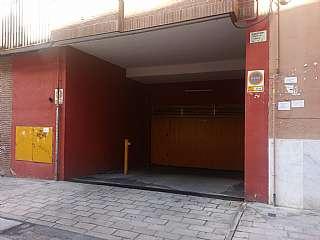 Parking coche en Calle cronista joaquin collia, sn. Plaza de garaje amplia y económica.