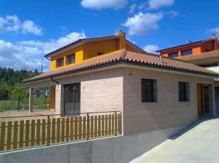 Alquiler Piso en Carrer maurici camprubi fornells, 5. Casa pensada per estalvi energètic
