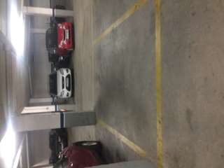Parking coche en Carrer sansa, 8. Parking grande