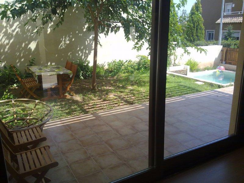 Alquiler piso por 575 en carrer del tentadero la paz bajo for Alquiler de bajos con jardin en las rozas