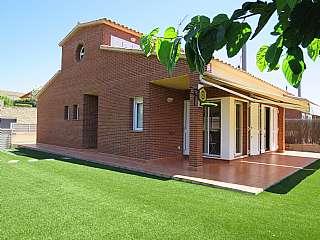 Alquiler Casa en La carissa, s/n. Casa  4 vientos seminueva en parcela plana