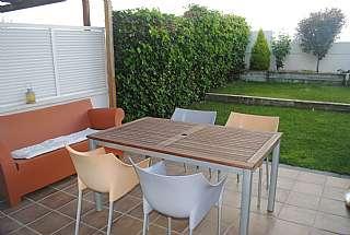 Alquiler Casa pareada en Lleida,. Casa pareada impecable junto a todos los servicios