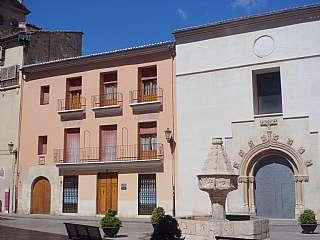 Casa en Trinitat, 8. Edificio histórico convento trinitarios s.xiii