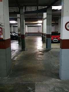 Rental Motorcycle parking in Passeig valldaura, 216. Parking para moto grande