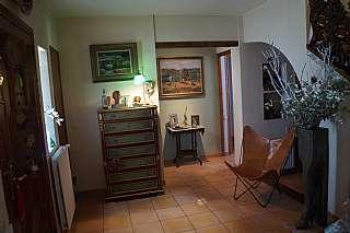 Torre en Carrer sardana, 48. Torre ben conservada amb vistes a l´estany
