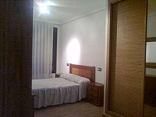 Piso en De la serna, 3. , piso 3 hab, 2 baños + aparcamiento.
