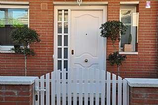 Casa adosada en Passatge mossota (la), s/n. Casa en alquiler o venta en pasaje de la mossota