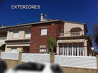 Casa pareada en Del gironès, 2. Casa pareada esquinera en cunit (tarragona)