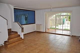 Casa adossada a Carrer sant jordi, 14. Preciosa casa adosada  a la venta en el centro